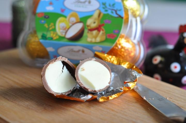 Påskägg i choklad skuret på mitten