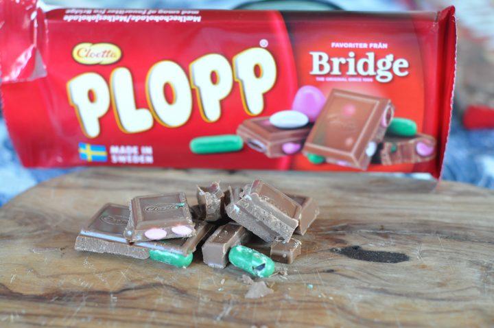 Bridgeblandning i chokladkaka